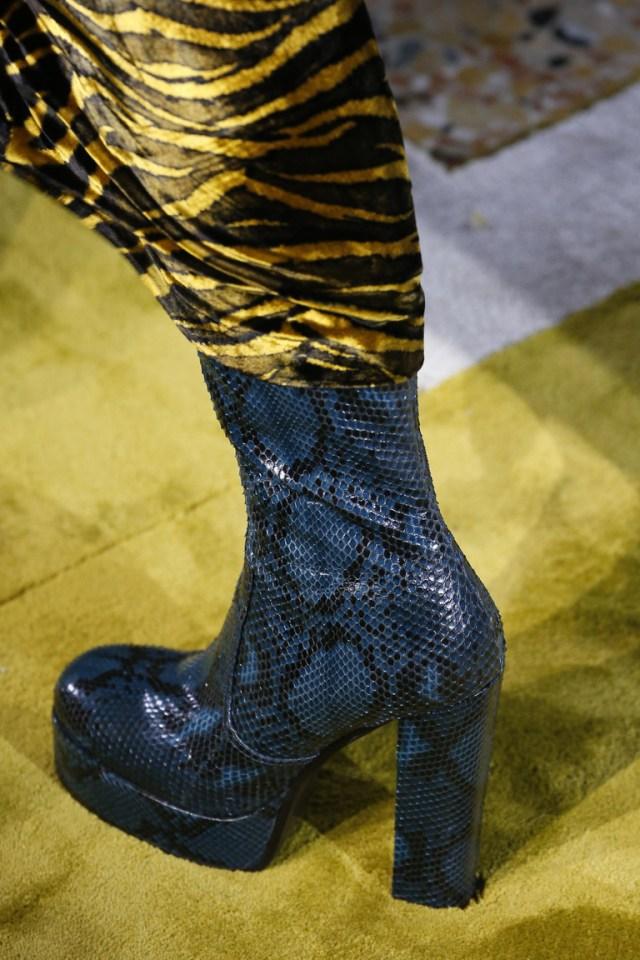 На фото6 обувь осень-зима 2016-2017: ультравысокие платформы из коллекции Roberto-Cavalli.