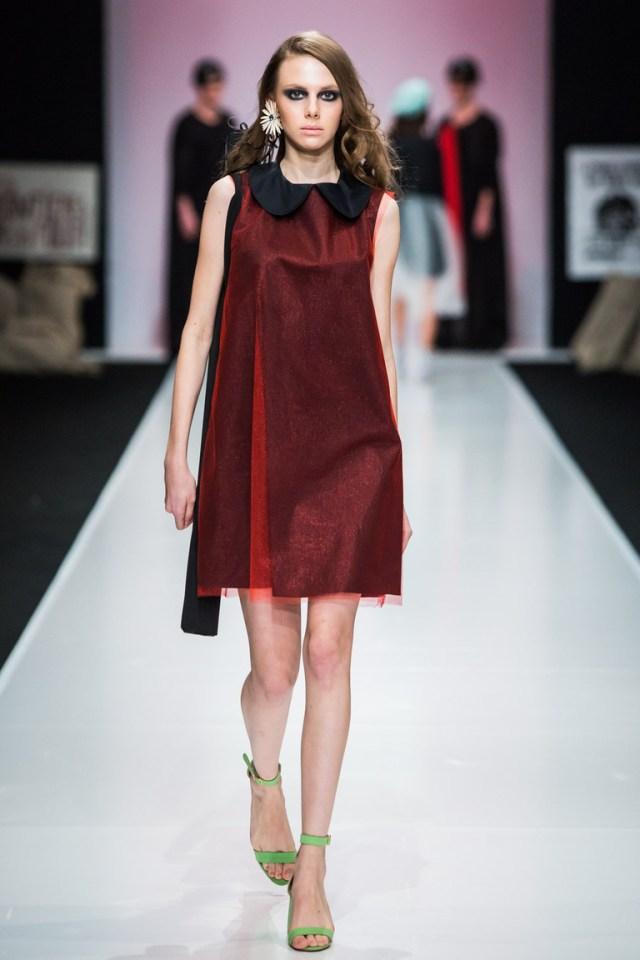 На фото: яркие новинки сезона - короткое платье из коллекции So-Number-One.