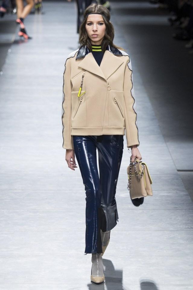 Расклешенные модные кожаные брюки 2017 синего цвета из коллекции Versace