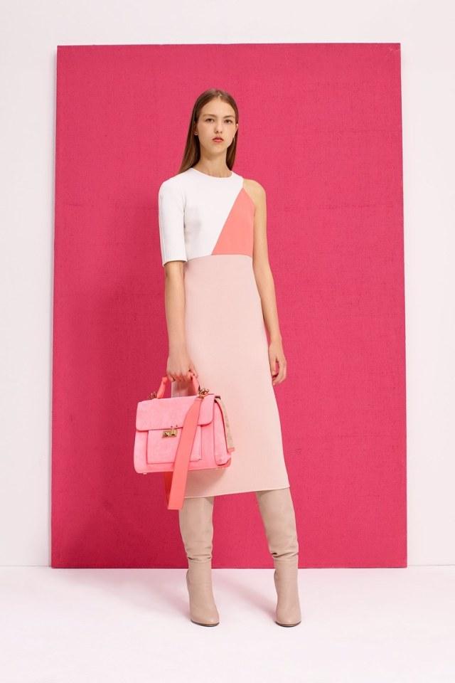 Модное нежно-розовое платье футляр 2017 из коллекции Agnona - фото новинки и тренды сезона