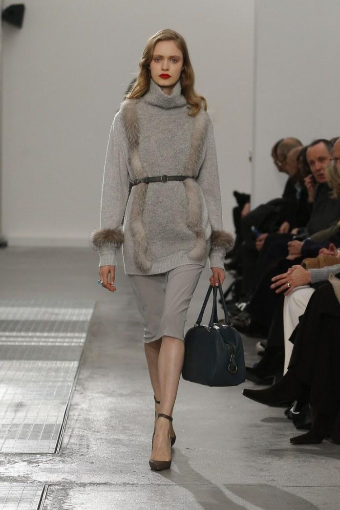 Модный серого цвета свитер 2017 с натуральным мехом фото обзор коллекции Agnona.