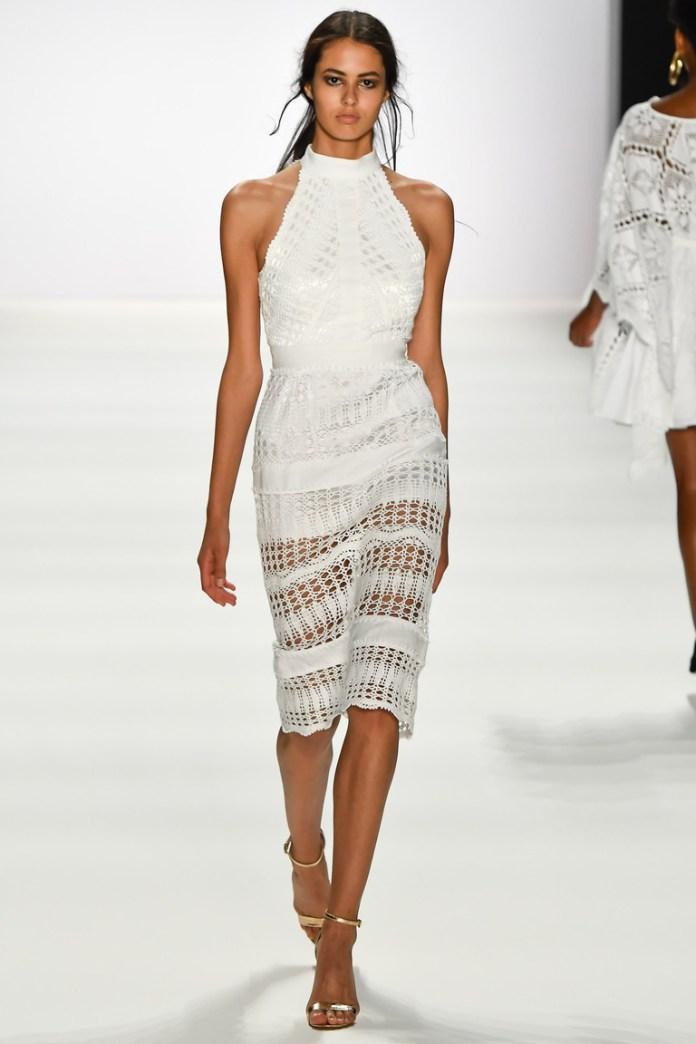 Модные белые платья 2017: элегантное белое вязаное платье - фото обзор коллекции Dimitri.