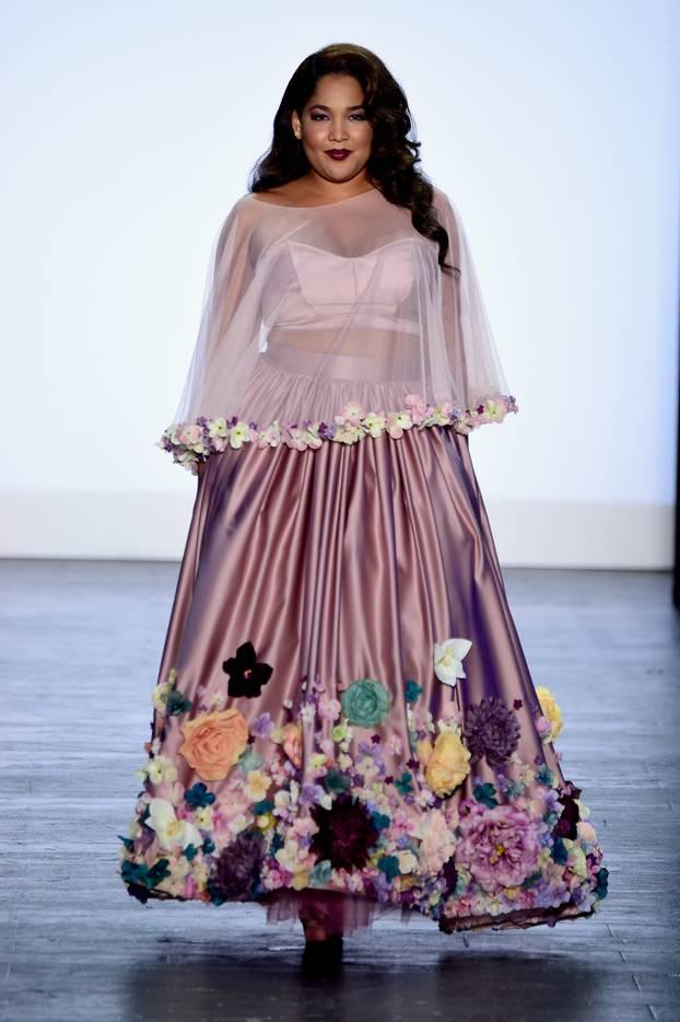 Модное длинное яркое платье 2017 для полных - фото обзор.