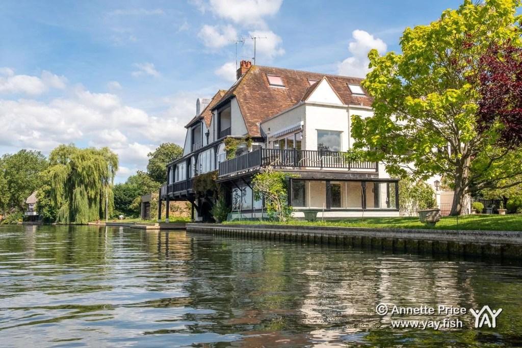 River Thames near Wargrave UK 12 7 20 11