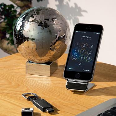 Philippi – Grip Mobile Phone Holder/Panel in Presentation Gift Box