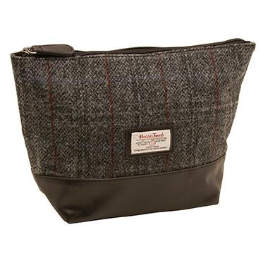 The British Bag Company – Berneray Harris Tweed Wash Bag in Gift Box