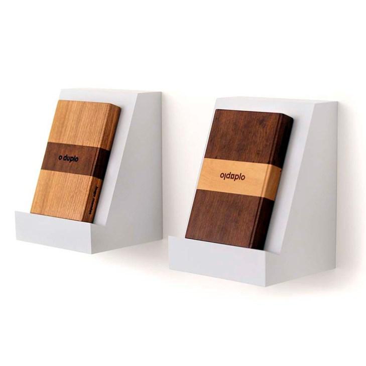 Hugo Mendes – O duplo, 2015 (1º e 2º versão) Livro de artista – Madeira (imbuia e marfim), papel e gravação a laser - 21 x 14 x 3 cm