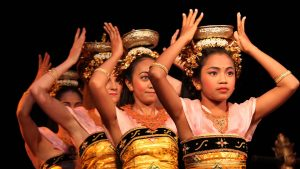 Photo of four dancers of Gamelan Sekar Jaya