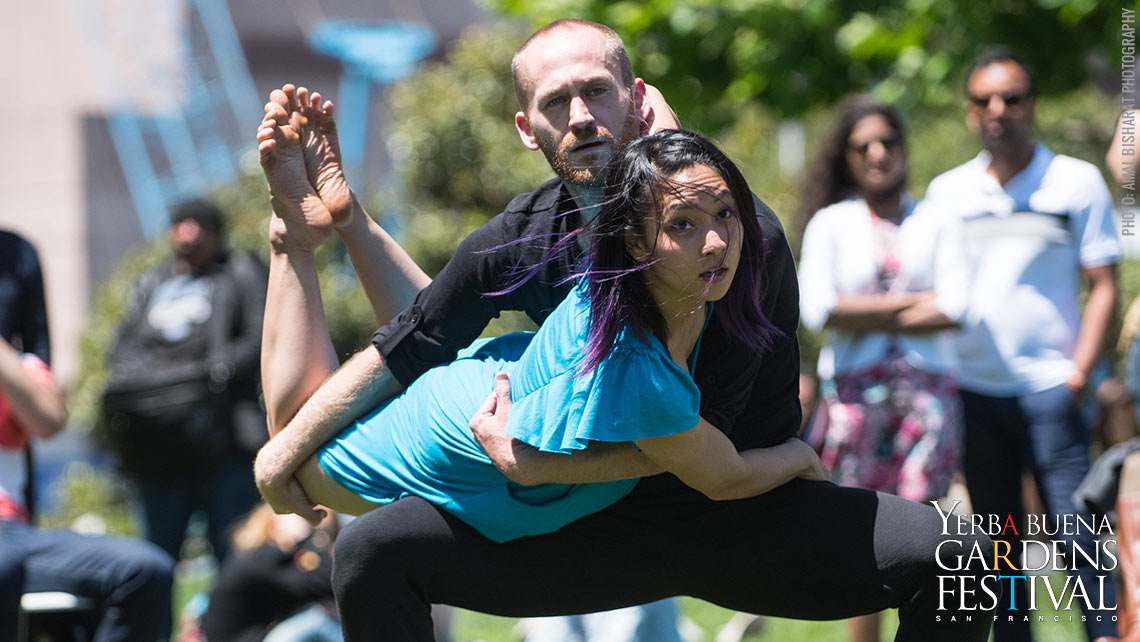 Photo of The Move Messenger(s) dancers by Amal Bisharat Photography