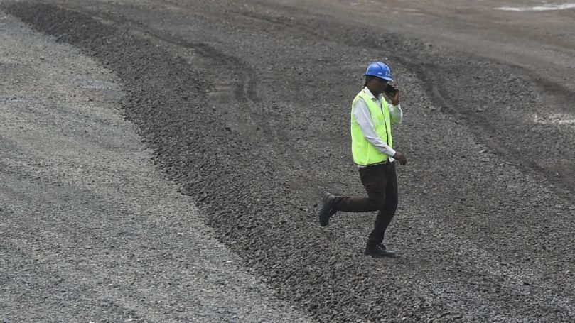 New roads in India built near large urban centres are mandated to use waste plastic in their construction (Credit: Getty Images)