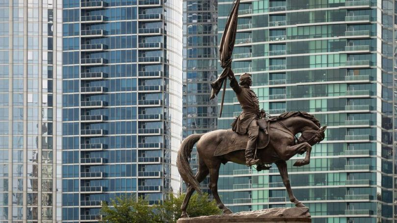 Most Chicagoans may not realise that it's still legal to ride a horse in the city (Credit: Randy Duchaine/Alamy)