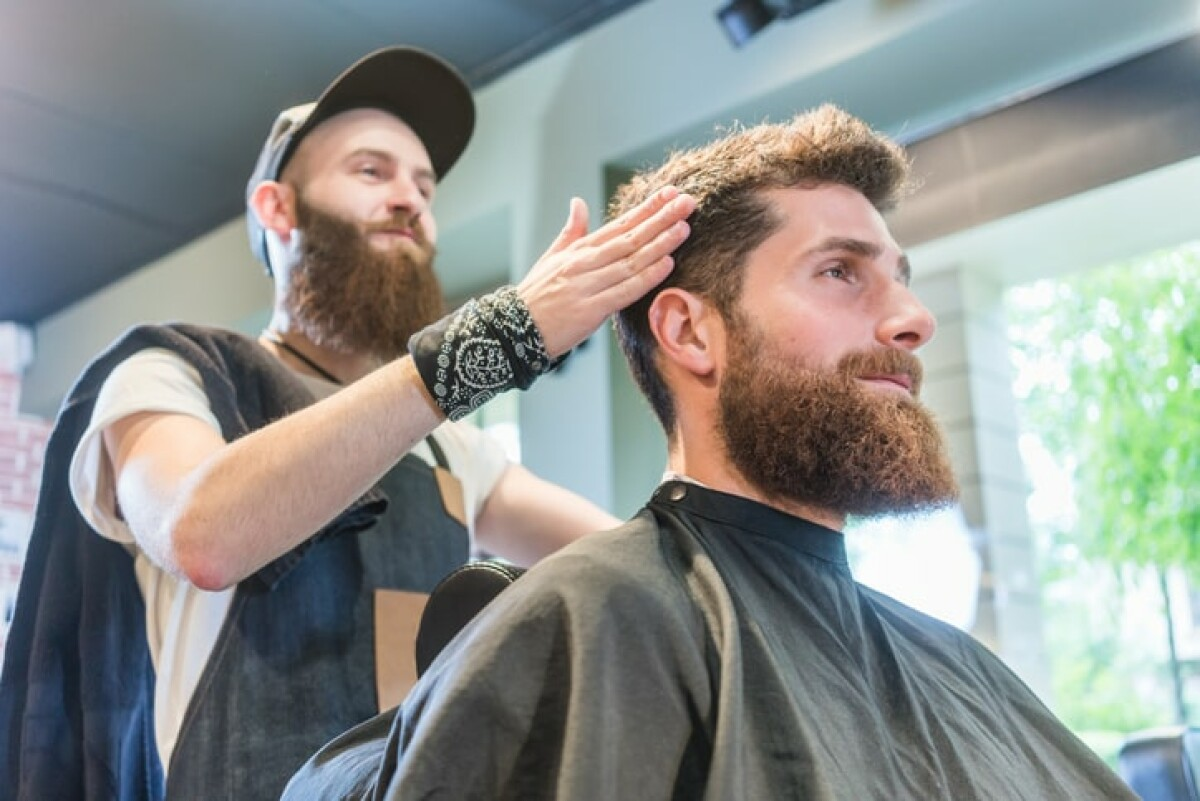 Find a free haircut tip calculator here that you can use to calculate how much to tip your barber or hairstylist.