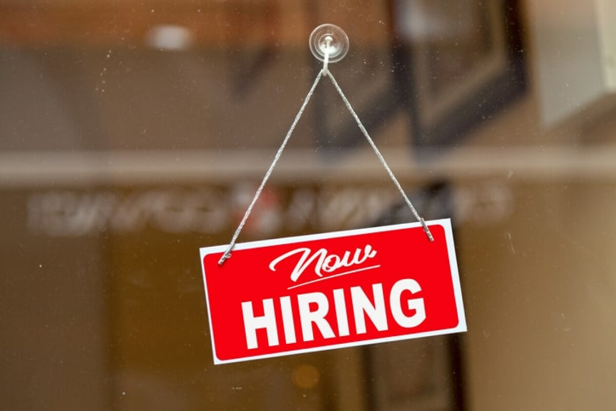 Are you looking for a job at a beauty salon and you do not know where to look? Spreeberry has a list of jobs for hair stylists.