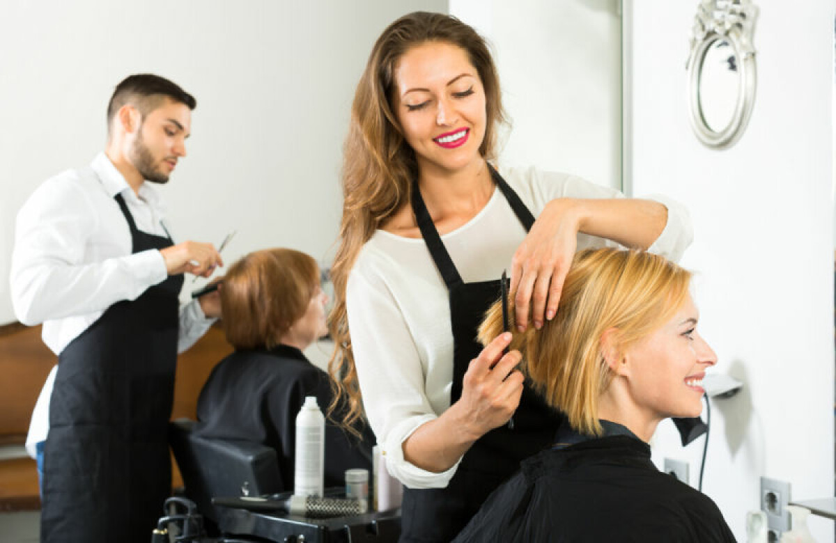 Do you want to become a hair stylist? Here are the steps that you need to follow to become a hair stylist.