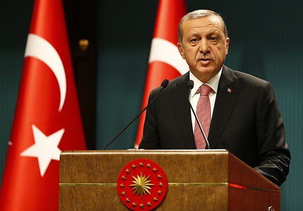 The Turkish President spoke by telephone with the Iranian President to discuss the Israeli-Palestinian situation