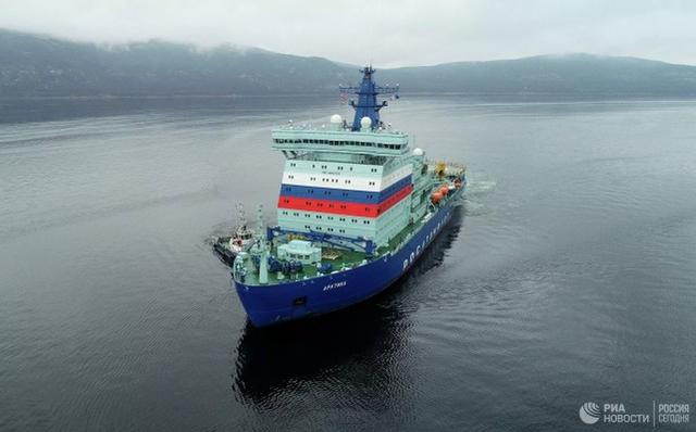 Russia will build 3 nuclear-powered icebreakers to develop the Arctic, with a displacement comparable to that of a large aircraft carrier