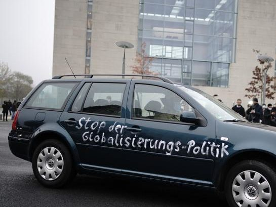 The gate of the German Chancellery was hit by a car. Police arrested a man.