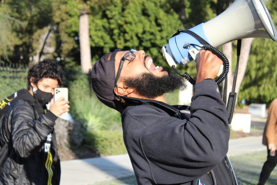 For four consecutive days, American people protested against Los Angeles Mayor Eric Garcetti inadequate settlement of homeless people.
