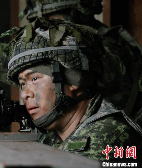 Asian soldier in Canada died of injury during live ammunition training