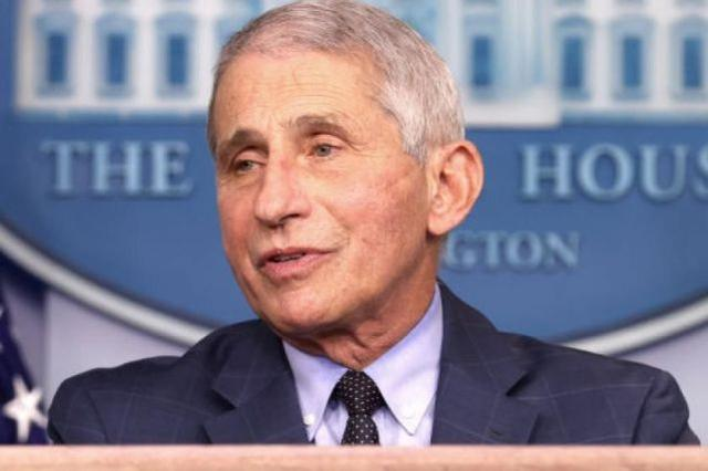 """Fauci predicts: the United States will achieve """"herd immunity"""" in late spring or early summer, and return to normal in autumn."""