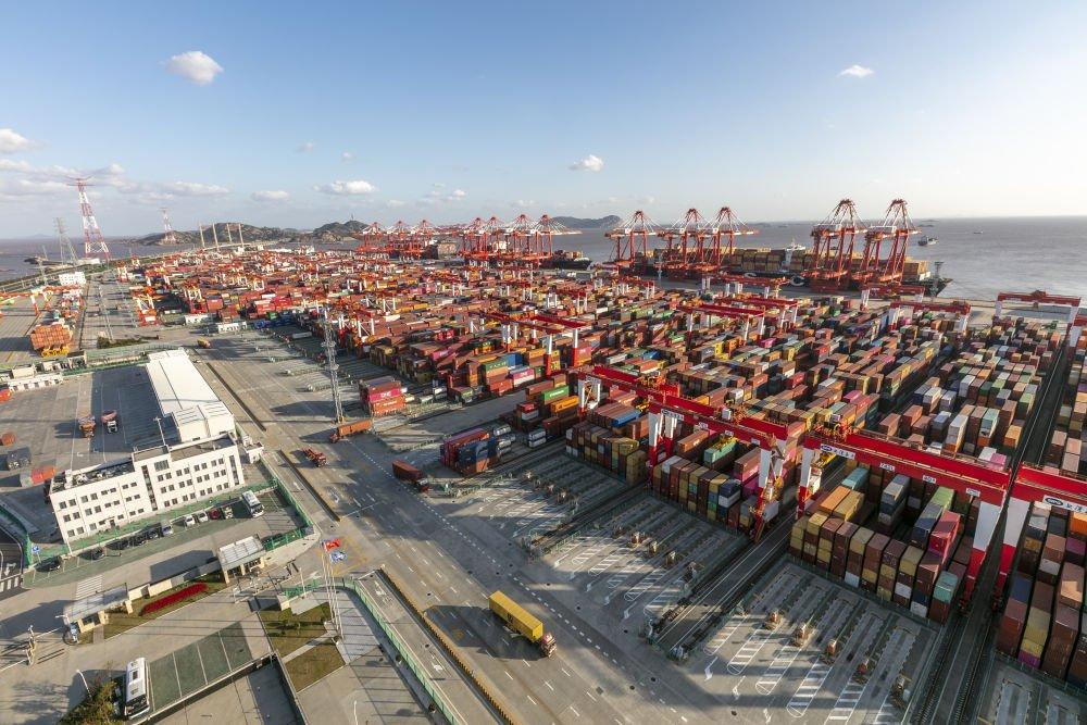 Singaporean scholar: China's economic performance helps global economic recovery