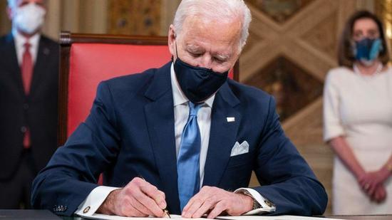 Biden signed the first executive order to return to the Paris climate agreement and WHO