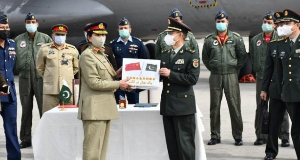 Chinese army provides COVID-19 vaccine to Pakistani army Pakistan: Express my deepest gratitude