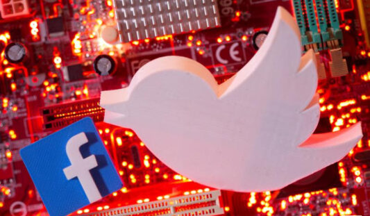 Mexican Senate plans to legislate to regulate social platforms. Twitter Facebook is listed.