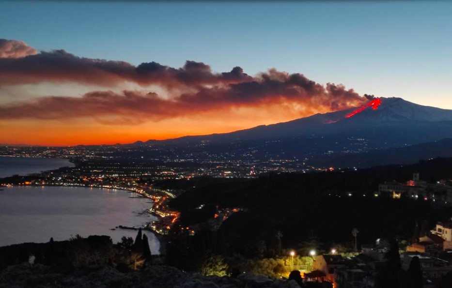 Italy's Etna volcano erupted violently, and the local airport was temporarily closed.