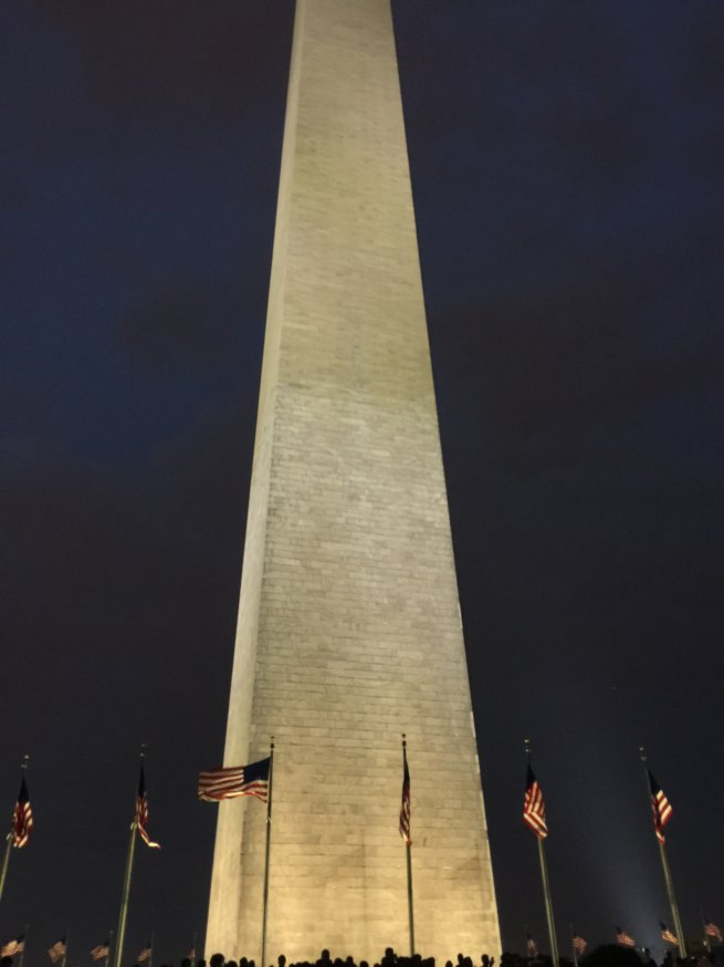 QUE.com.WashingtonDC.13.Monument.Night