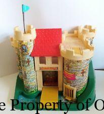 1974 Fp Little People castle - opals house