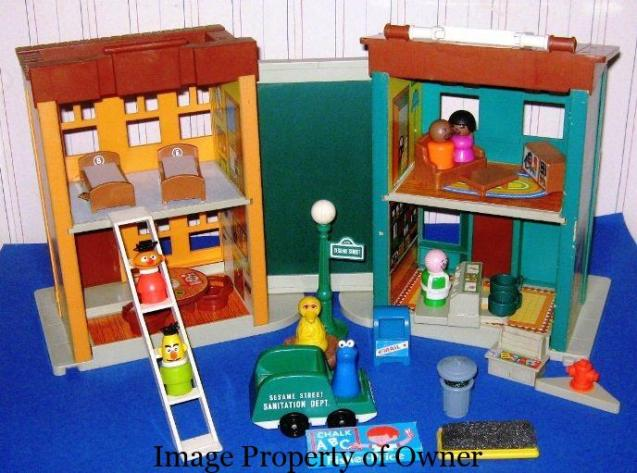1975 Play Family Sesame street - judysvintagefptoys.com