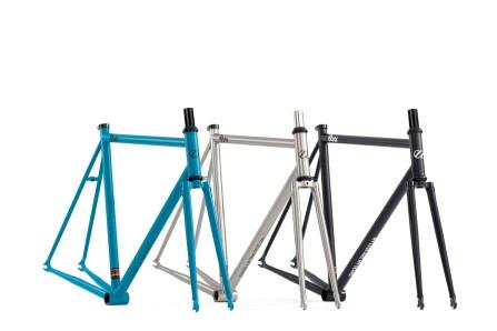 8bar-bikes-neukln-black-petrol-raw-fixie-fixed-gear-berlin-0001
