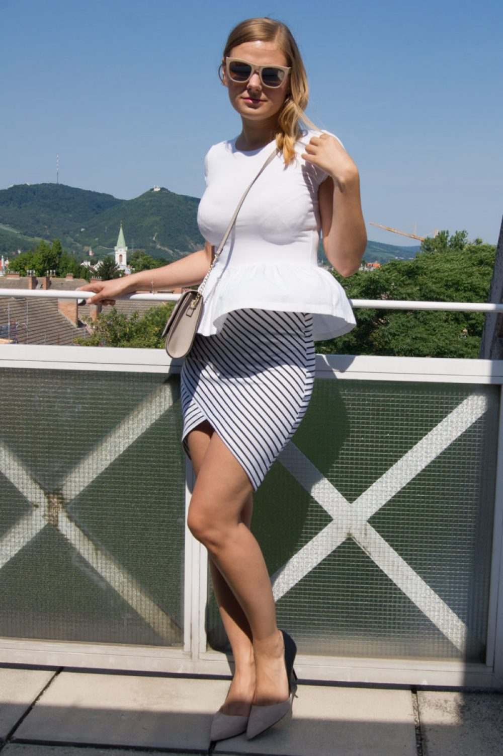 yellowgirl_Outfit_Fashion_Entree_7