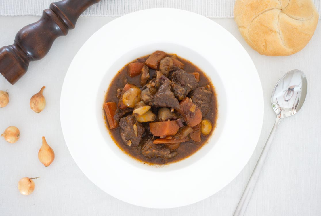https://i0.wp.com/yellowgirl.at/wp-content/uploads/2017/02/yellowgirl_boeuf-bourguignon_1.jpg?fit=1116%2C750&ssl=1
