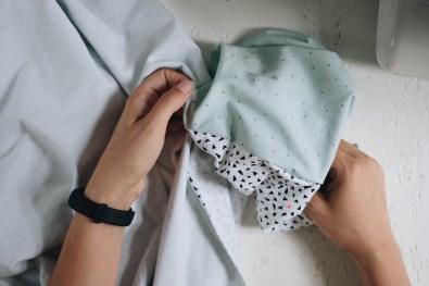 yellowgirl_DIY Decke aus Jersey-Stoffder Hygge Kollektion von Rico Design (7 von 8)