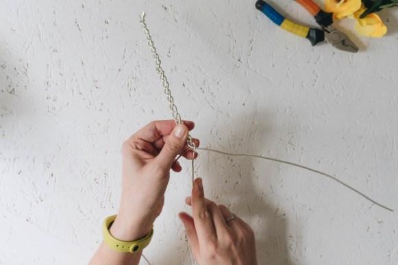 yellowgirl_Minimalistische DIY Valentinstags-Serviettenringe mit Stoffblumen (5 von 26)