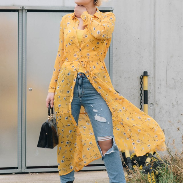 https://i0.wp.com/yellowgirl.at/wp-content/uploads/2019/01/yellowgirl_Valentinstagsoutfit-in-Blumenkleid-von-Only-Jeans-von-New-Look-Lack-Boots-und-Vintage-Lack-Handtasche-8-von-11.jpg?resize=640%2C640&ssl=1