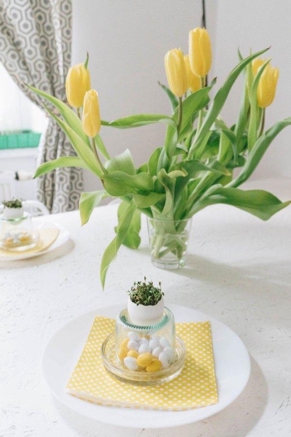 yellowgirl-DIY Ostertisch- Ostereier mit Kresse-Glasflaschen-Eierbecher (9 von 21)