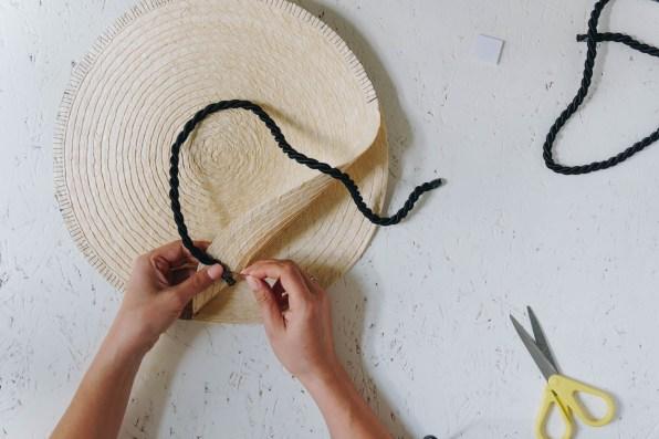 yellowgirl-Ikea Hacking- Runde DIY Strohtasche Teil 2 (6 von 15)