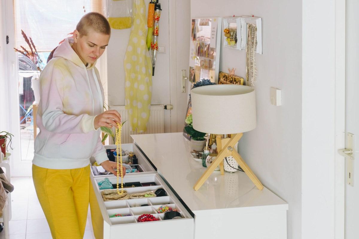 https://i0.wp.com/yellowgirl.at/wp-content/uploads/2020/04/yellowgirl-yellowgirl-DIY-Ordnungssystem-die-Schmucklade-2-2-von-10.jpg?fit=1200%2C801&ssl=1