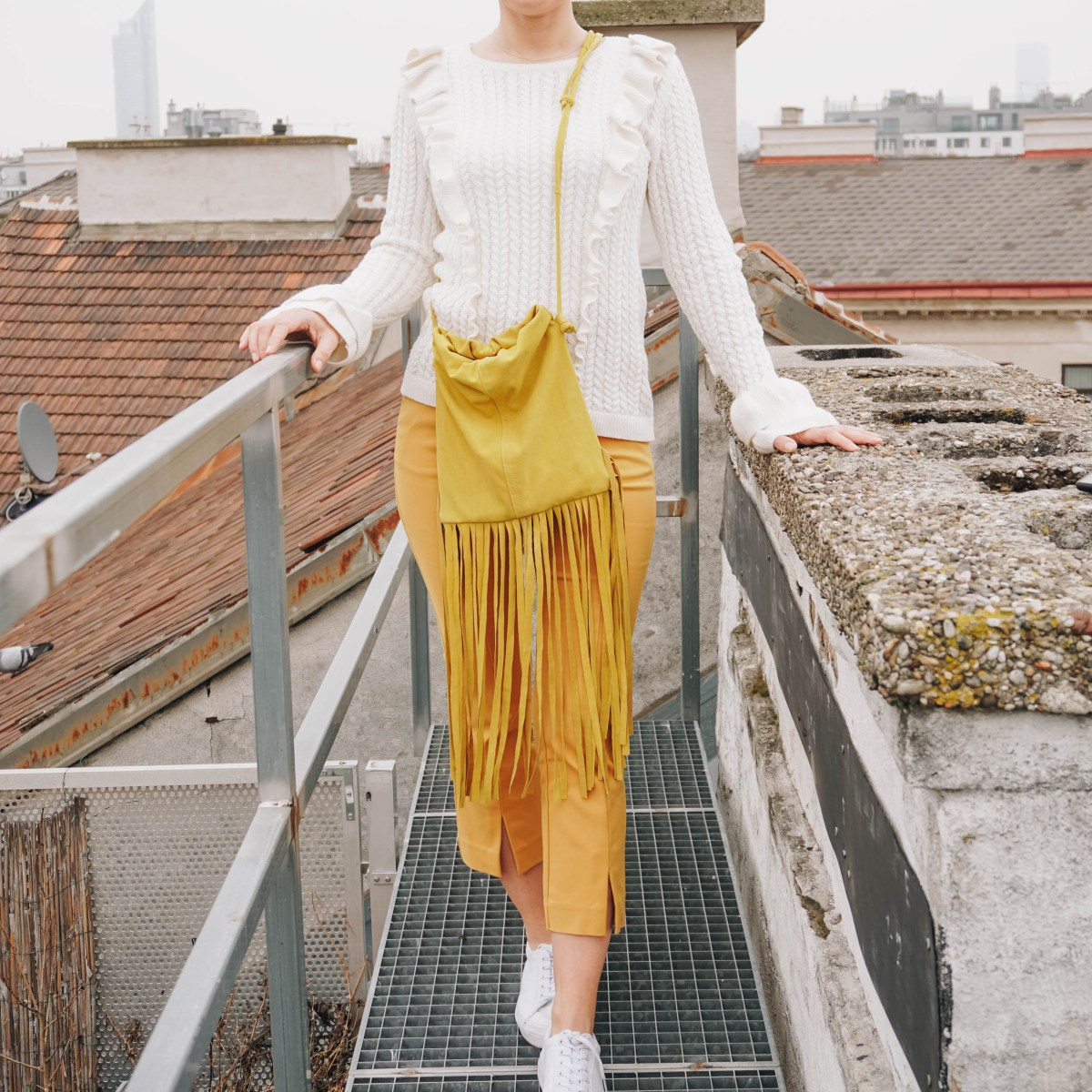 https://i0.wp.com/yellowgirl.at/wp-content/uploads/2021/03/yellowgirl-DIY-Handtasche-look-a-like-The-Fringe-Pouch-2-von-3.jpg?fit=1200%2C1200&ssl=1