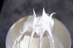 white meringue cookies