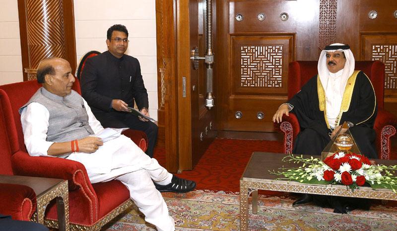 The Union Home Minister, Mr. Rajnath Singh meeting the King of Bahrain, King Hamad bin Isa Al Khalifa, in Manama on October 24, 2016.