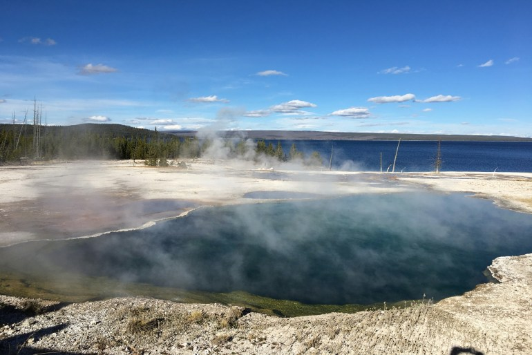 Things to see in Yellowstone - West Thumb