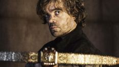 _Tyrion_Lannister_with_a_crossbow_090053_
