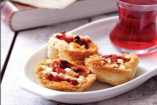 kurutulmus-domatesli-ekmekler