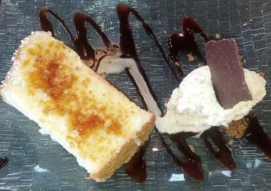 Torrija de pan con helado