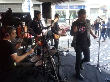 The Idems actuando en el Bar Barranquilla de Mungia