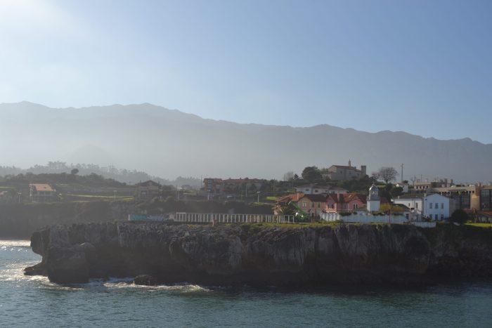 Faro de San Antón, Playa de Puerto Chico y Ermita de la Virgen de la Guía.